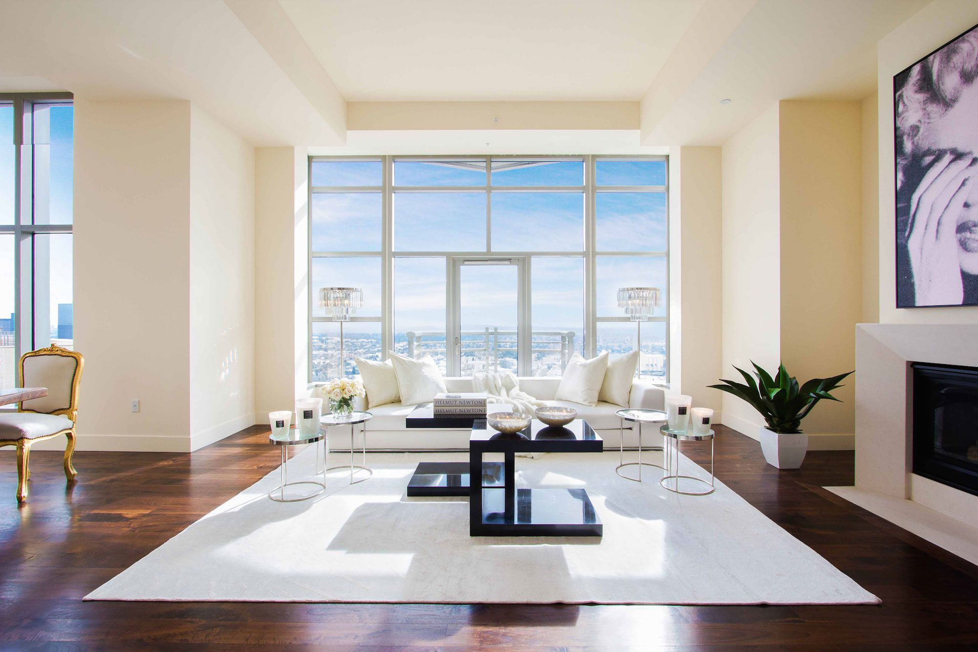 Luxury-Penthouse-in-The-Carlyle-Residences-03