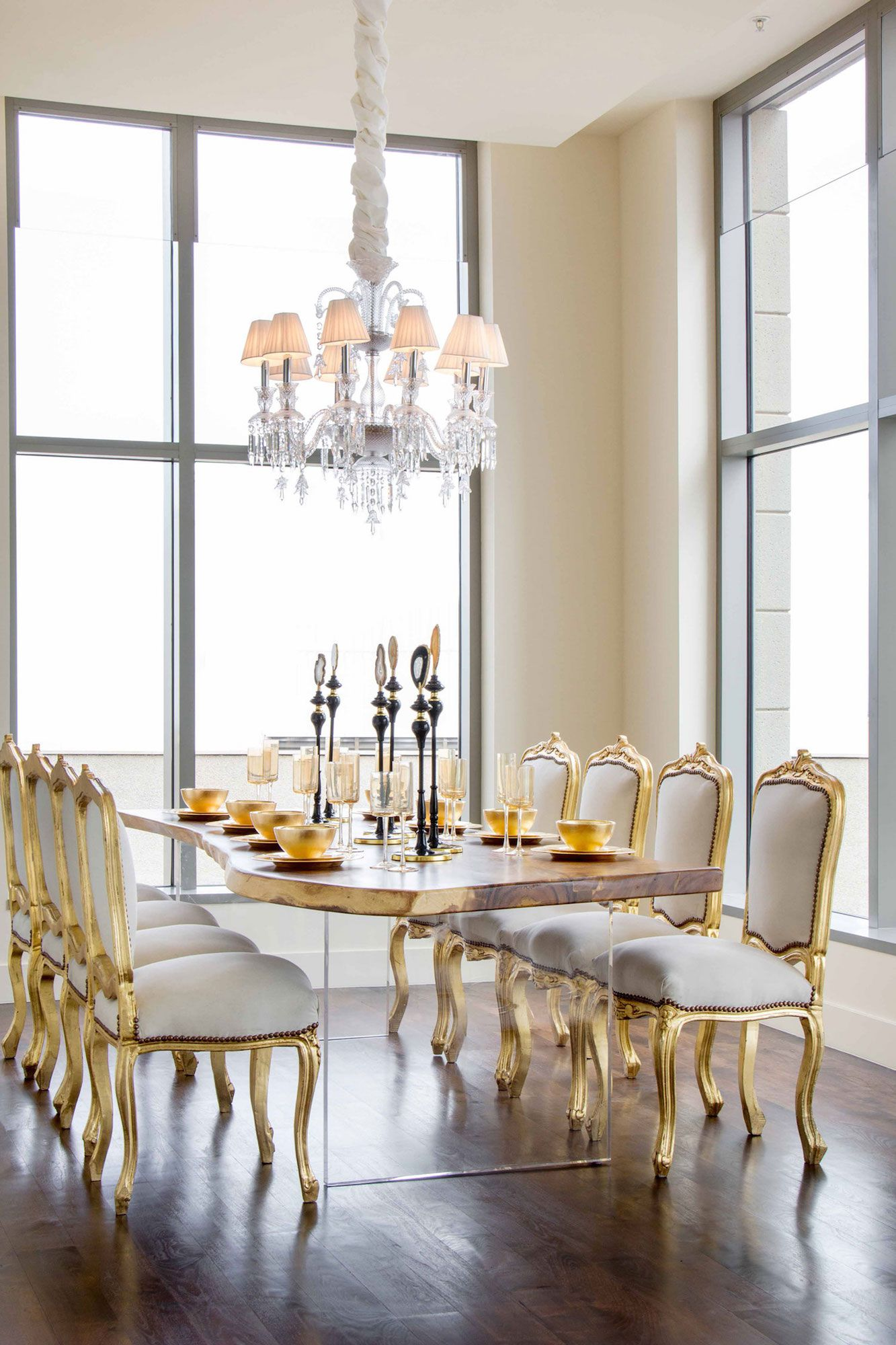 Luxury-Penthouse-in-The-Carlyle-Residences-18