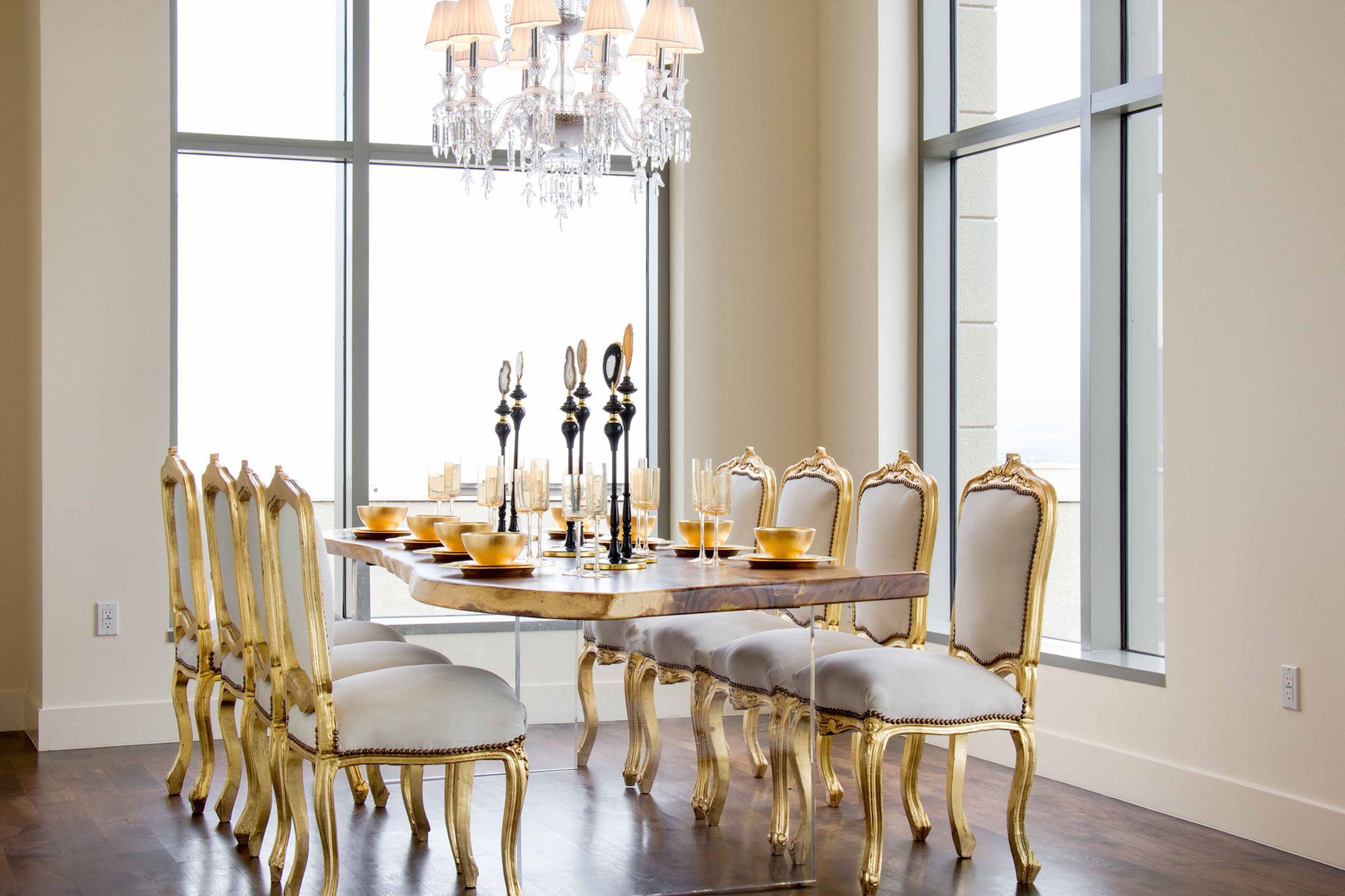 Luxury-Penthouse-in-The-Carlyle-Residences-19