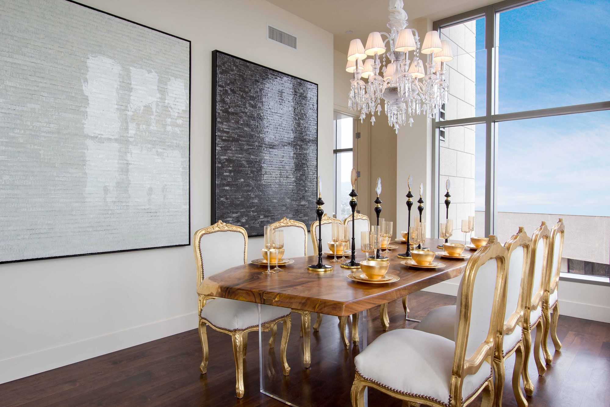 Luxury penthouse in the carlyle residences by premier for Penthouses for sale los angeles