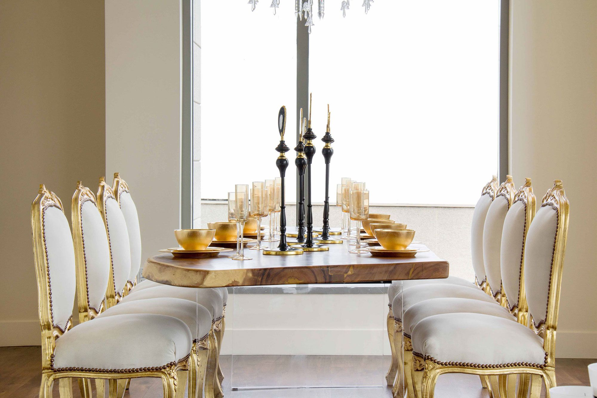 Luxury-Penthouse-in-The-Carlyle-Residences-21