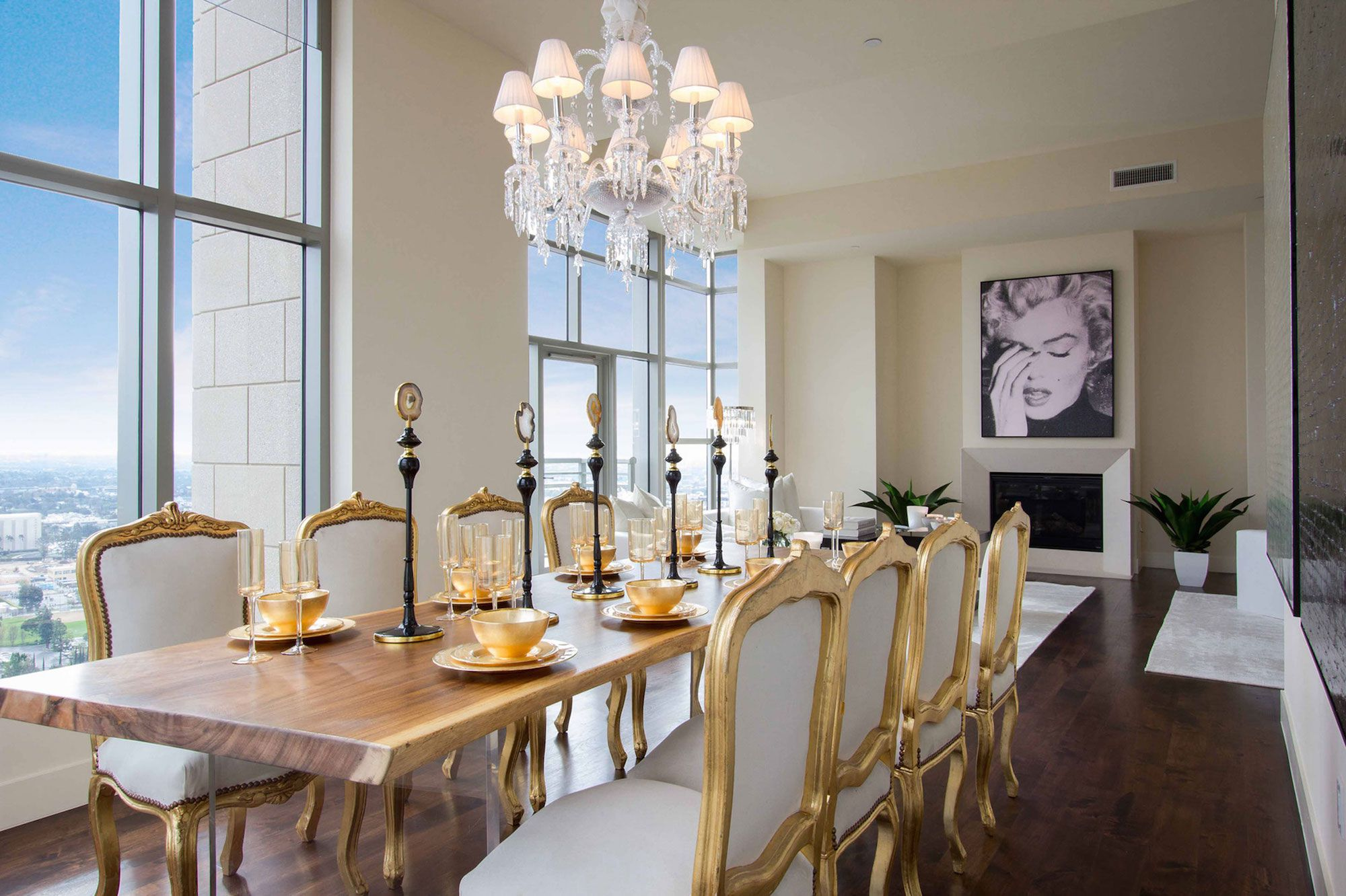 Luxury-Penthouse-in-The-Carlyle-Residences-22