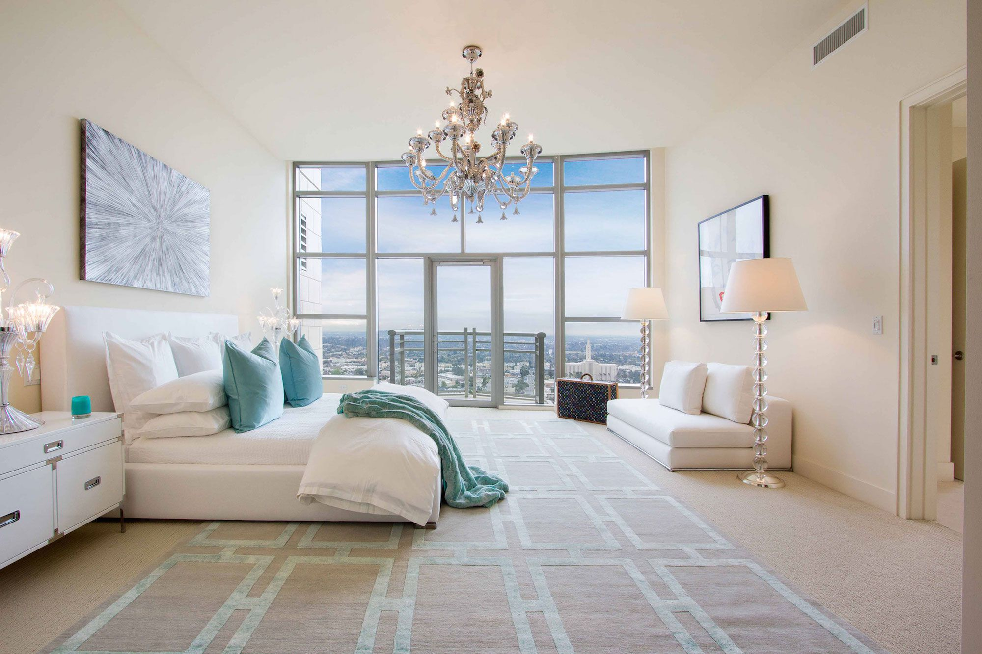 Luxury-Penthouse-in-The-Carlyle-Residences-28