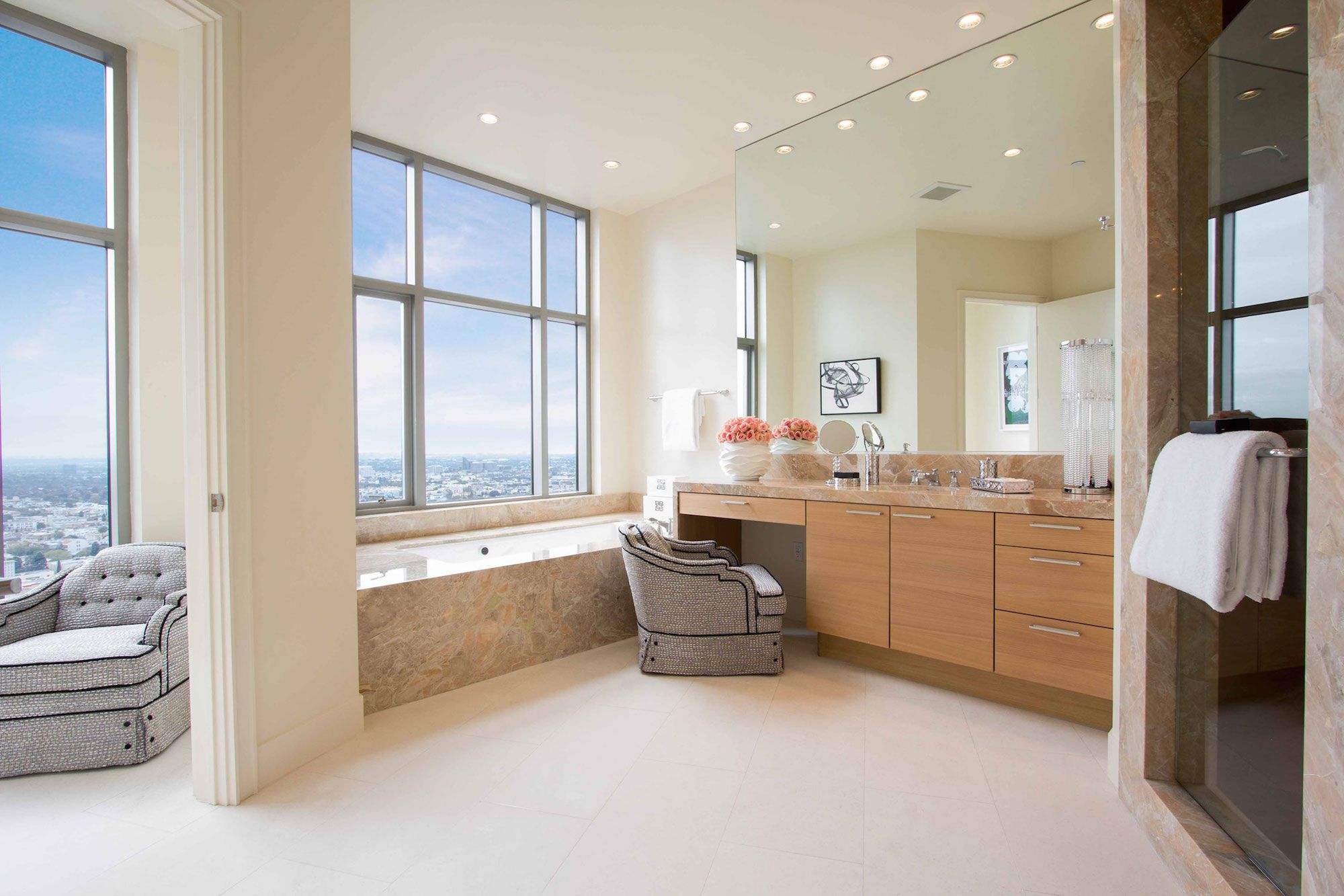 Luxury-Penthouse-in-The-Carlyle-Residences-35