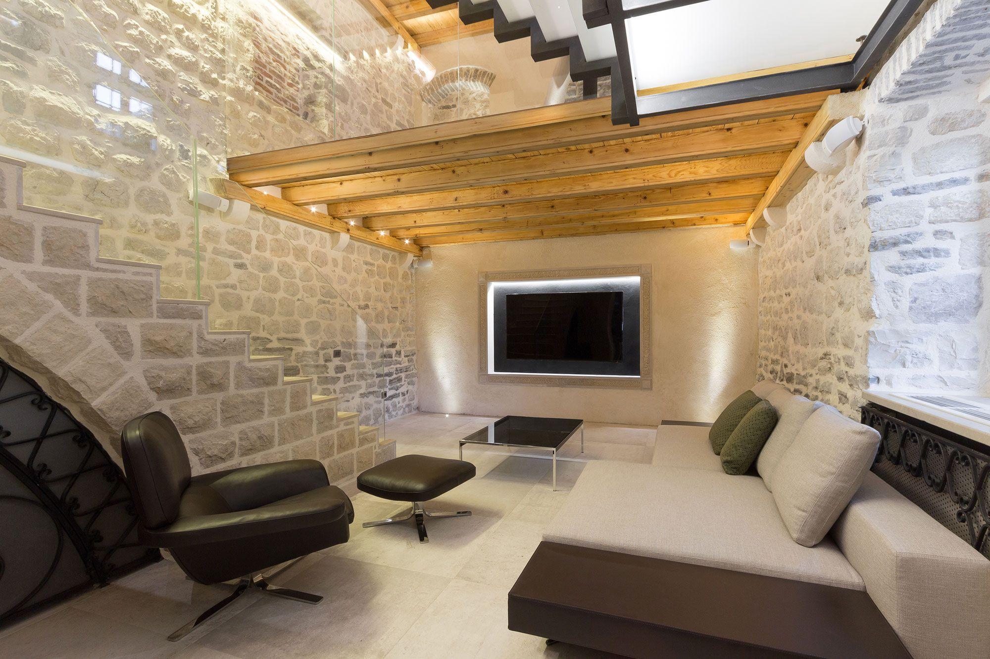 Reconstruction-of-a-Villa-in-Ljuta-02