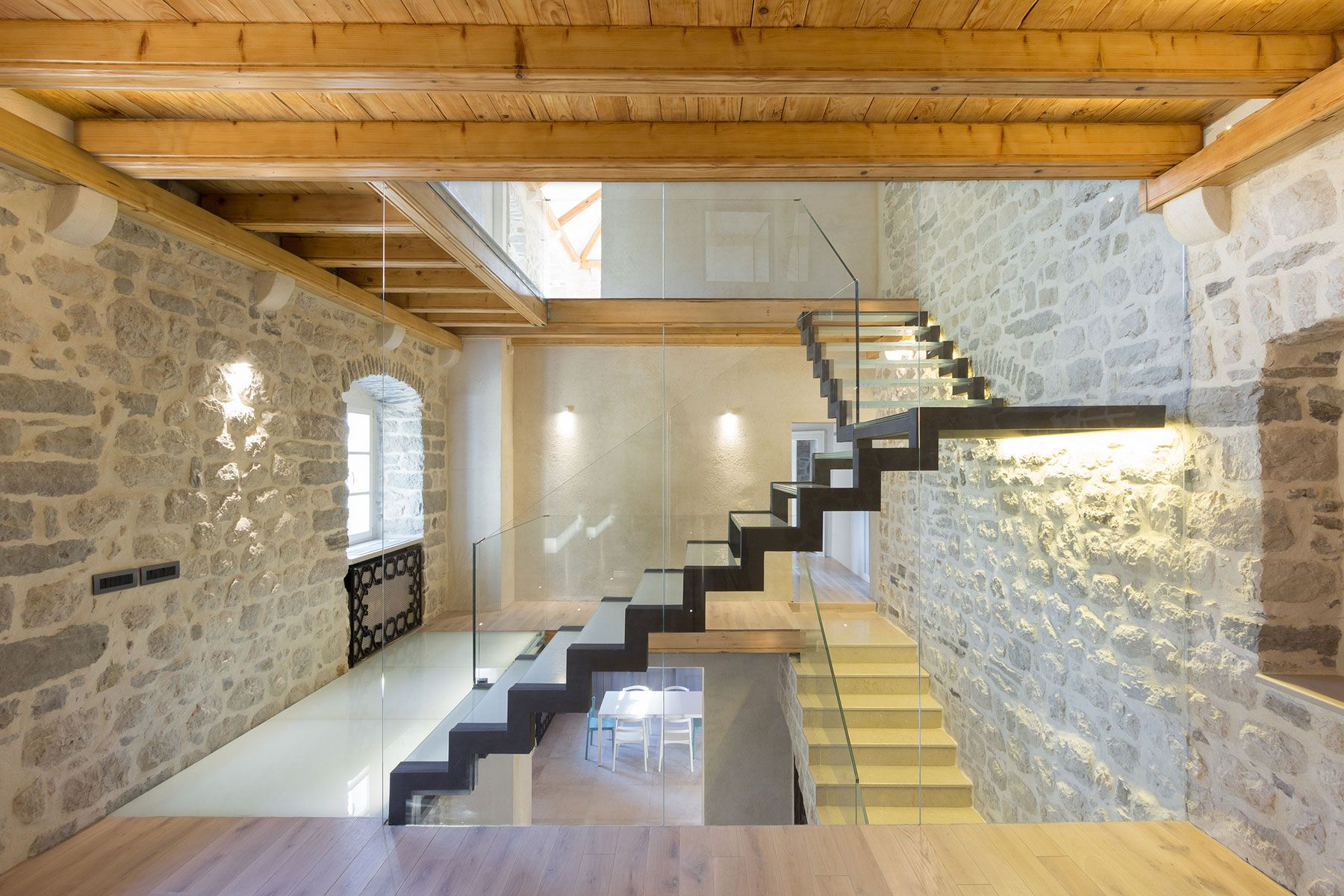 Reconstruction-of-a-Villa-in-Ljuta-11
